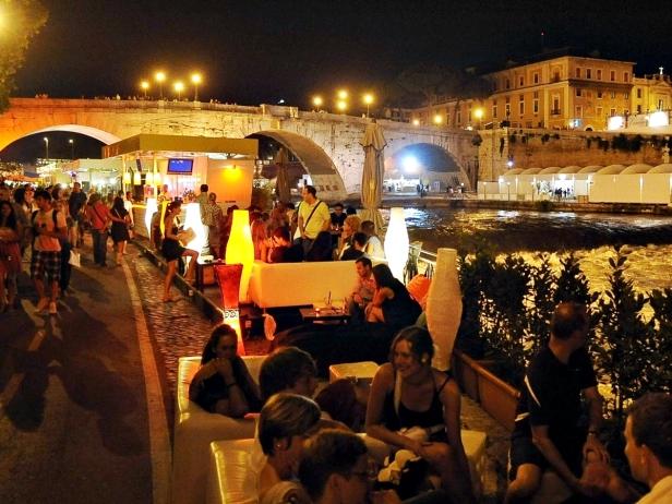 Lungo-Il-Tevere-Roma.jpg