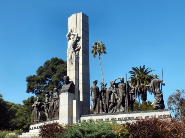 Monumento_a_José_Enrique_Rodó.jpg