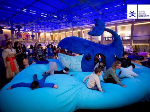 Centro_Cultural_Kirchner_1er-festival-de-arte-para-chicos-la-ballena-azul